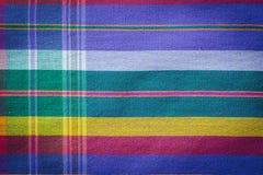 Thailändsk stil handcrafted textil som göras av silke från nordostligt, thailändskt Arkivbild