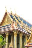Thailändsk stilarkitektur med blåtttaket Arkivbilder