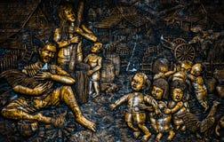 Thailändsk stuckatur för infödd kultur på tempelväggen Royaltyfri Fotografi