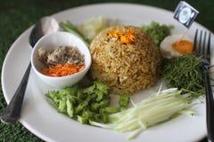 Thailändsk sydlig kryddig rissallad med grönsaker Royaltyfri Bild