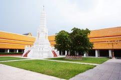 Thailändsk tempel av Wat-mahatart-thaprajun Bangkok Thailand Royaltyfri Fotografi
