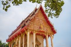 Thailändsk tempel i kalasin Arkivbild