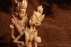 Thailändsk trästatyett arkivfoton