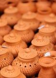 Thailändsk traditionell lerakrukmakeri Arkivbild