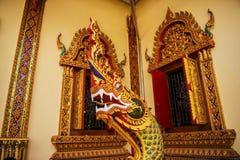 Thailändsk väggkonstkonung Naka i templet Royaltyfri Fotografi