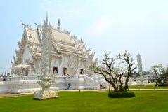 Thailändsk vit tempel Royaltyfri Bild