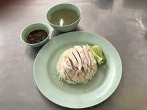 Thailändska fega ris med soppa Royaltyfria Bilder