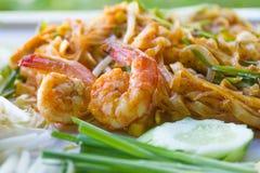 Thailändska Fried Noodles, thailändskt thai matblock Royaltyfri Foto