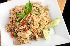 Thailändska Fried Rice med höna Arkivbilder