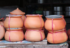 Thailändska lergods Arkivbild