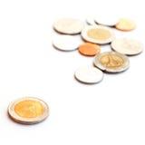 THAILÄNDSKA mynt för finanser som isoleras på vit bakgrund Arkivfoto