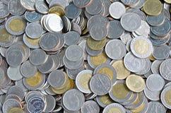 Thailändska myntpengar för att handla utbyte Arkivbild