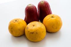 Thailändska Rose Apple och apelsin Arkivfoto