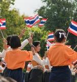 Thailändska studenter som deltar ceremonin av 100. aniversary av Arkivbilder