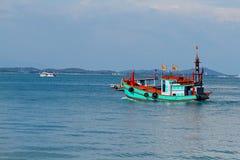 Thailändskt fartyg i havet Royaltyfri Fotografi