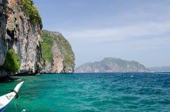 Phiphiiceland thai fartyg Arkivbilder