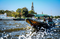 Thailändskt fartyg, Wat Arun, Bangkok, Thailandia Royaltyfri Bild
