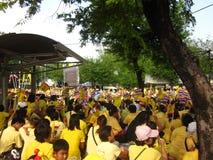 Thailändskt folk som firar i Thailand Royaltyfria Bilder