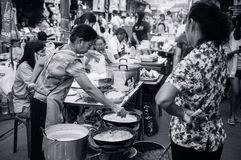 Thailändskt - hemlagad välfylld frasig äggkräpp för vietnamesisk stil med arkivfoto