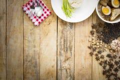 Thailändskt matKai-PA-lo med ris besegrar och kryddor Fotografering för Bildbyråer