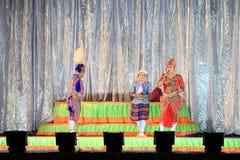 Thailändskt musikaliskt folk drama Arkivfoto