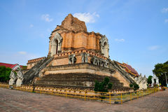 Thailändskt tempel i chiangmaien, Thailand Royaltyfria Foton