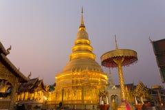 Thailändskt tempel i Lamphun Royaltyfria Foton