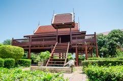 Thailändskt trähus Arkivfoton