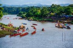 Thailändskt traditionellt långt springa för fartyg Fotografering för Bildbyråer