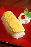 Thailändsk efterrätt, klibbig rice för äggcustard. royaltyfri fotografi