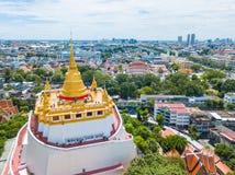 Thailand - 9. August 2017:: der goldene Berg in Wat Saket-Tempel Stockfoto