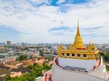 Thailand - 9. August 2017:: der goldene Berg in Wat Saket-Tempel Lizenzfreie Stockfotografie