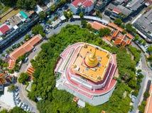 Thailand - 9. August 2017:: der goldene Berg in Wat Saket-Tempel Lizenzfreie Stockfotos