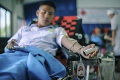 THAILAND-AUGUST, 23: I giovani donano il sangue al Consiglio Nazionale tailandese LA TAILANDIA AUGUSTA, 23 2017 Immagine Stock Libera da Diritti