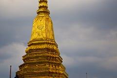 Thailand Azië in de regen van Bangkok kleurt dak wat paleizen Royalty-vrije Stock Fotografie