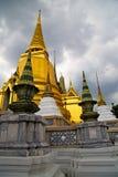 Thailand Azië in tempel abstract dak wat en kleur Stock Foto's