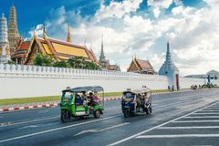 THAILAND, BANGKOK - 1. Juli 2018: Tuk-tuk lizenzfreie stockbilder