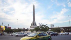 Thailand, Bangkok, am 14. September 2018 die Bangkok-Stadtverwaltung entscheidet sich, Victory Monument zu beaufsichtigen stock video