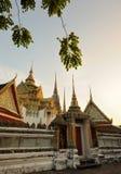 Thailand. Bangkok. Wat Po bij een zonsopgang stock foto