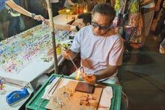 Thailand Chiang Mai, söndagkvällmarknaden arkivfoton