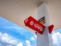 Thailand, Chonburi: In het benzinestation, ESSO-merk, Esso Synerg royalty-vrije stock afbeelding