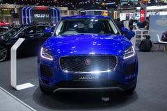 Thailand - Dec, 2018: dichte eerlijke mening van Jaguar-van de e-Tempo de blauwe dure die auto kleurenluxe in motor Expo Nonthabu royalty-vrije stock foto