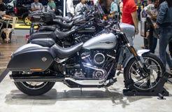 Thailand - Dec, 2018: Harley Davidson Sport Glide-de motorfiets toont in motor Expo stock afbeelding