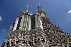 thailand för arunbangkok mondop wat Arkivfoto