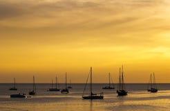 thailand för gruppphuket silhouette yacht Royaltyfri Fotografi