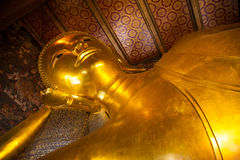 thailand för staty för bangkok buddha guldpho reclining wat Royaltyfri Fotografi