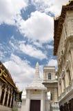 Thailand-großartiger Palast und bewölkter Himmel Stockbild