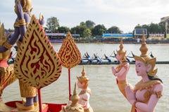THAILAND ISAN PHIMAI LÅNGT FARTYGLOPP Arkivfoton