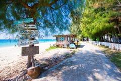 Thailand, 16 Jyne 2017:: Mai Ton-eiland mooi strand in Phuke Stock Afbeelding