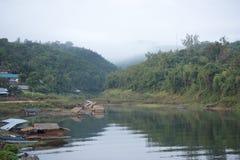 THAILAND KANCHANABURI SANGKHLABURI SJÖ Arkivfoto